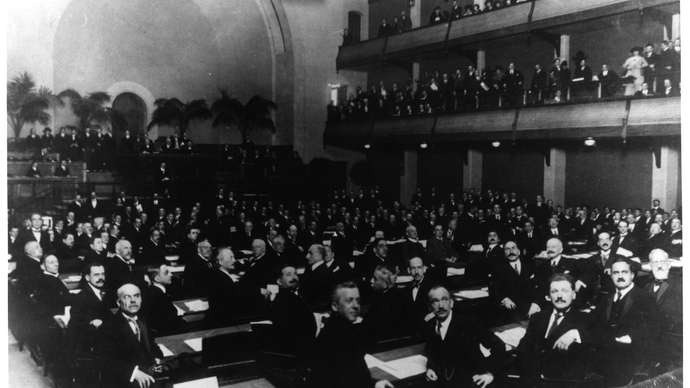 session-United-Nations-General-Assembly-Central-Hall-January-10-1946